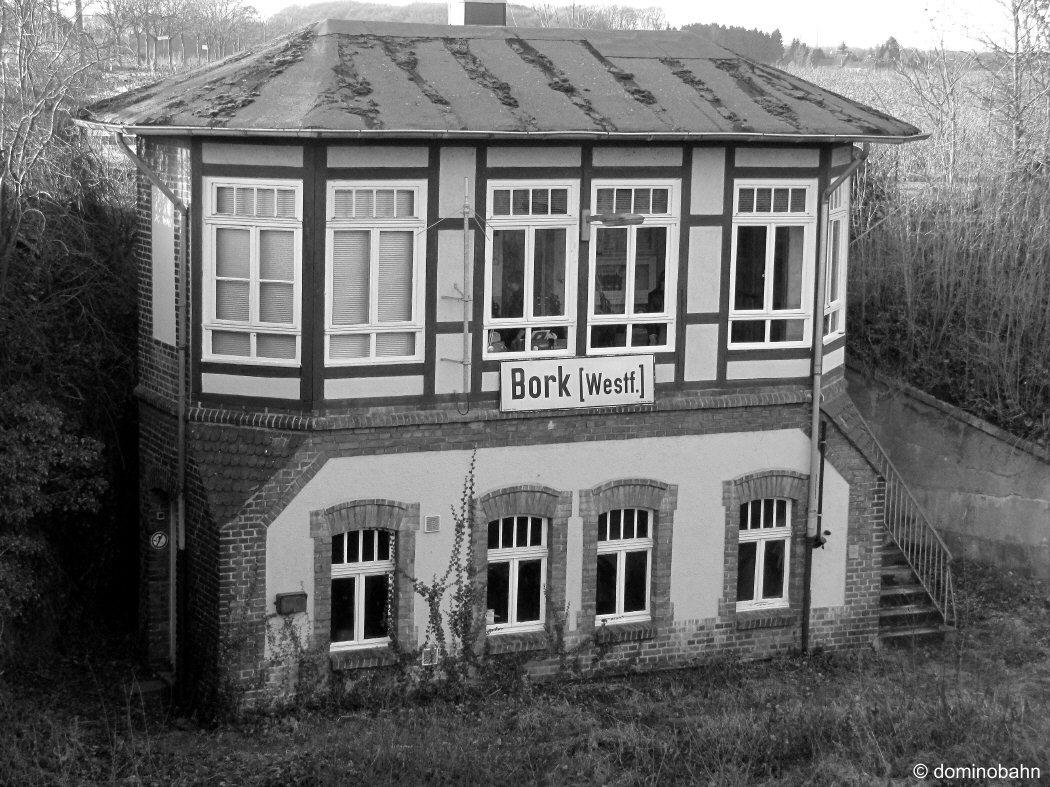 http://www.dominobahn.de/bork_sw.jpg